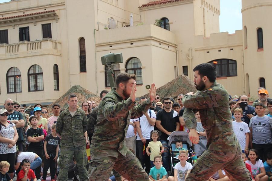 Exhibición combate cuerpo a cuerpo e intervención no letal del Ejército en Barcelona