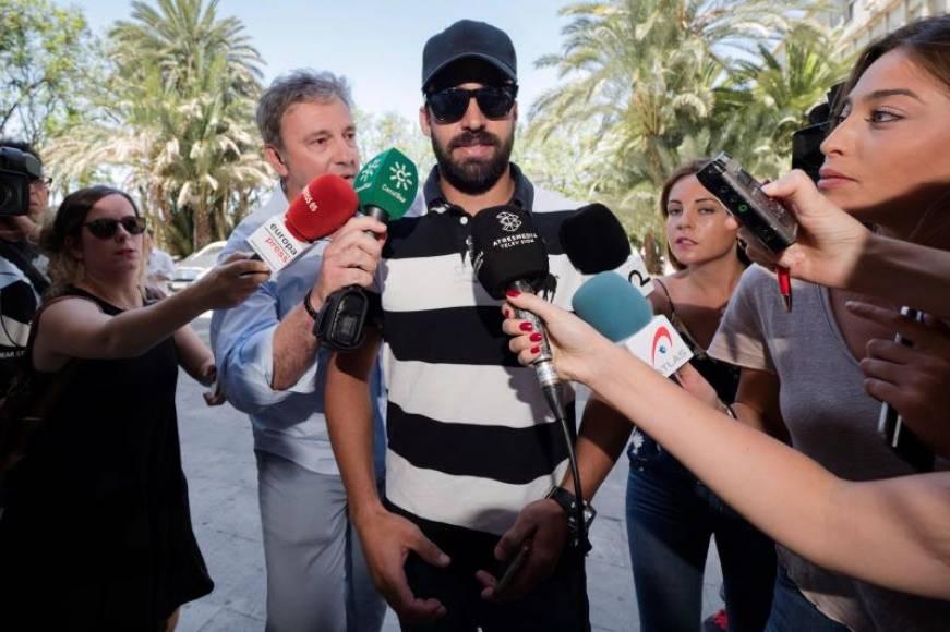 El Tribunal rechaza todas las acusaciones y mantiene en libertad al Guardia Civil de «La Manada»
