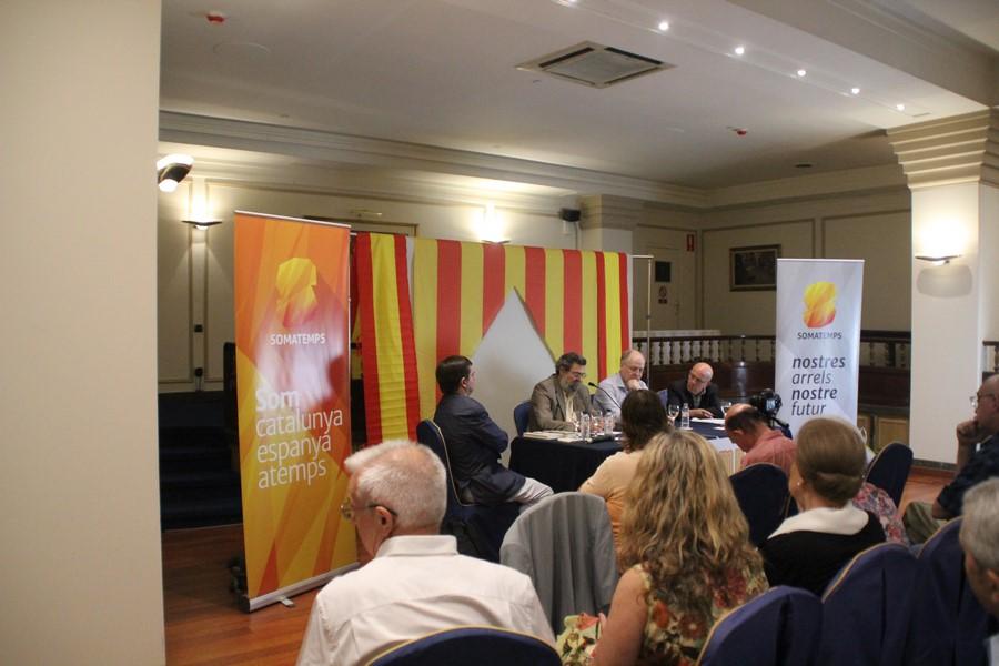 Una española denuncia conspiración entre Madrid y fascismo para silenciar a los españoles