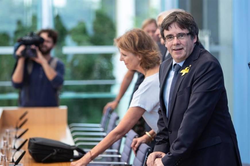 """Puigdemont: """"Sánchez tiene los votos"""" separatistas y queremos un referéndum y amnistía"""