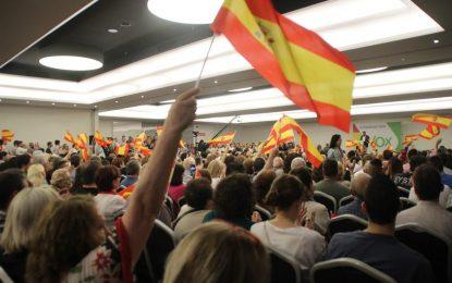 """VOX contra la """"basura"""" fascista en Cataluña, prepara querellas masivas contra """"Ayuntamientos"""""""