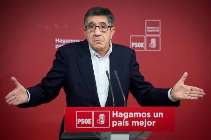 """PSOE: La Constitución necesita """"retoques"""" para adaptarla a los """"nuevos tiempos"""""""