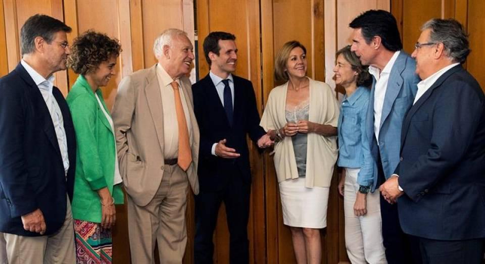 Casado, nuevo dueño del PP, ya tiene el apoyo de 8 exministros de exvicepresidenta Soraya