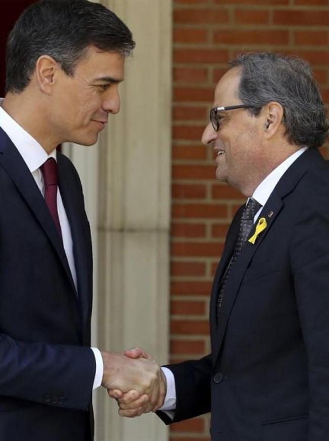 El fascismo exige al Gobierno de Sánchez también el traspaso de la Renfe
