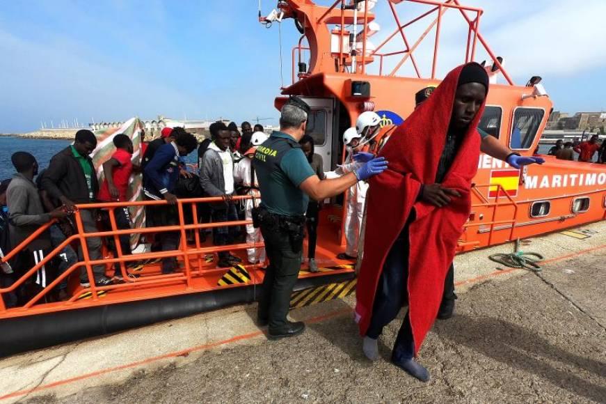 988 inmigrantes rescatados frente a las costas españolas este fin de semana