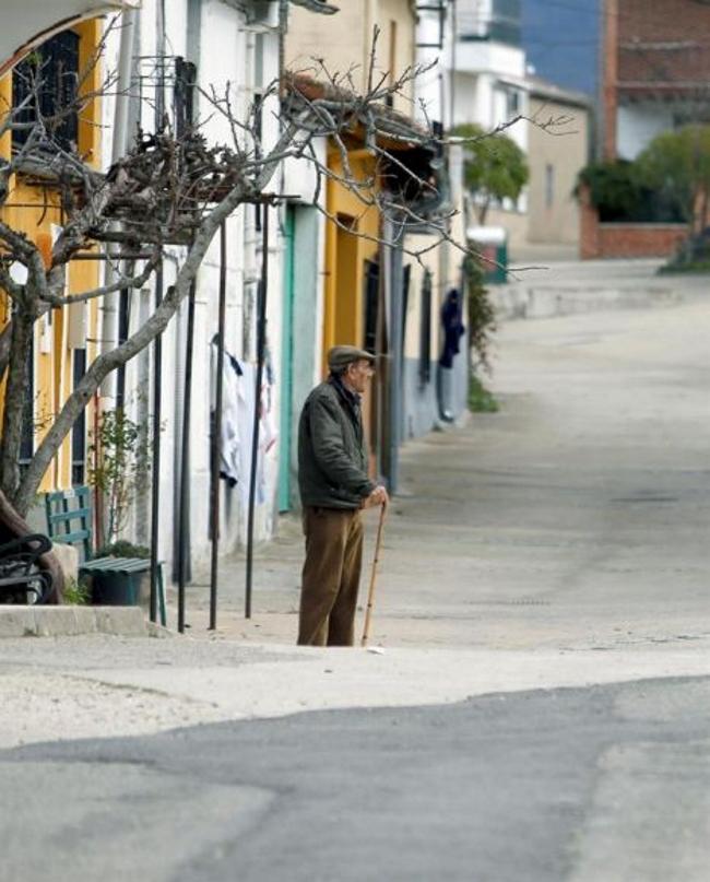 """Ancianos españoles solos tienen peor salud y más """"insatisfacción vital"""""""