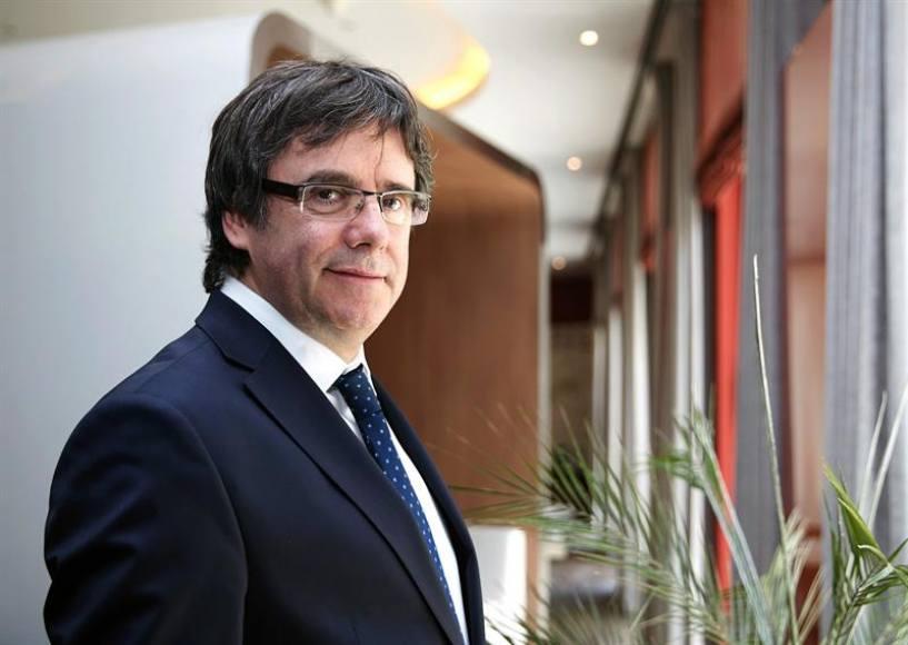 El juez español regala Puigdemont a Alemania y le condena a 20 años sin volver a España