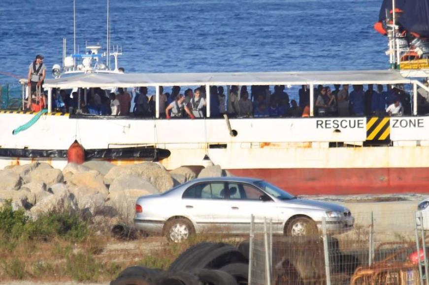 Llegan a España 87 inmigrantes rescatados en las costas de Libia con Italia