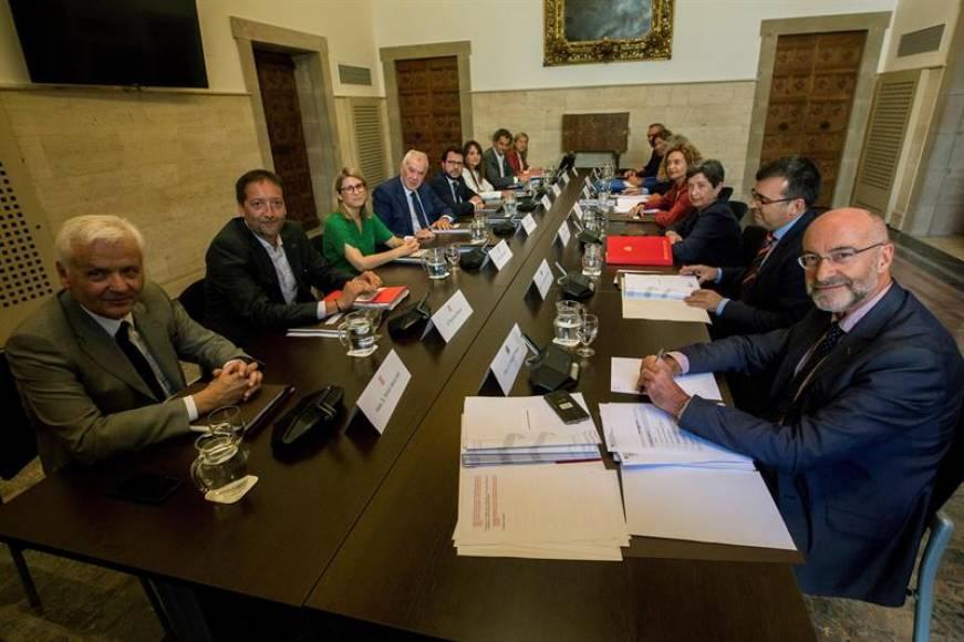 El fascismo poner en la mesa de negociaciones el referéndum y presos y el Gobierno rechaza