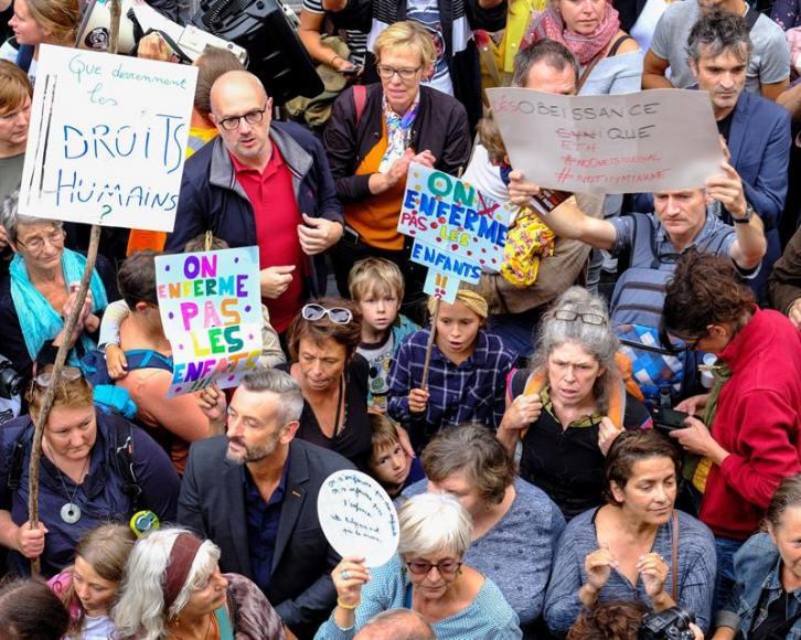 Bélgica encarcela a niños de inmigrantes pero protege a golpistas y terroristas de ETA