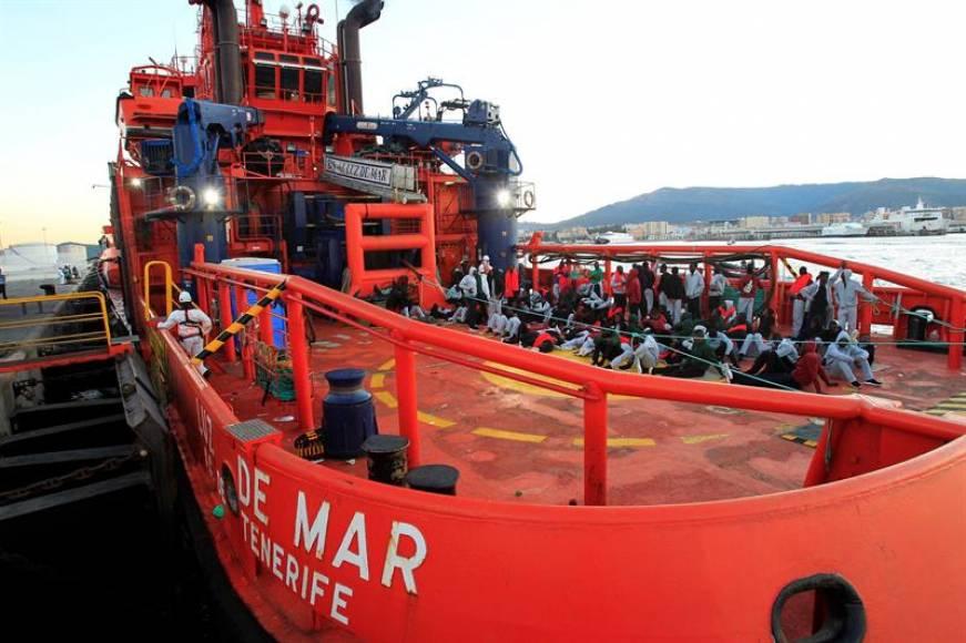 Rescatan a 70 inmigrantes marroquíes en las costas españolas