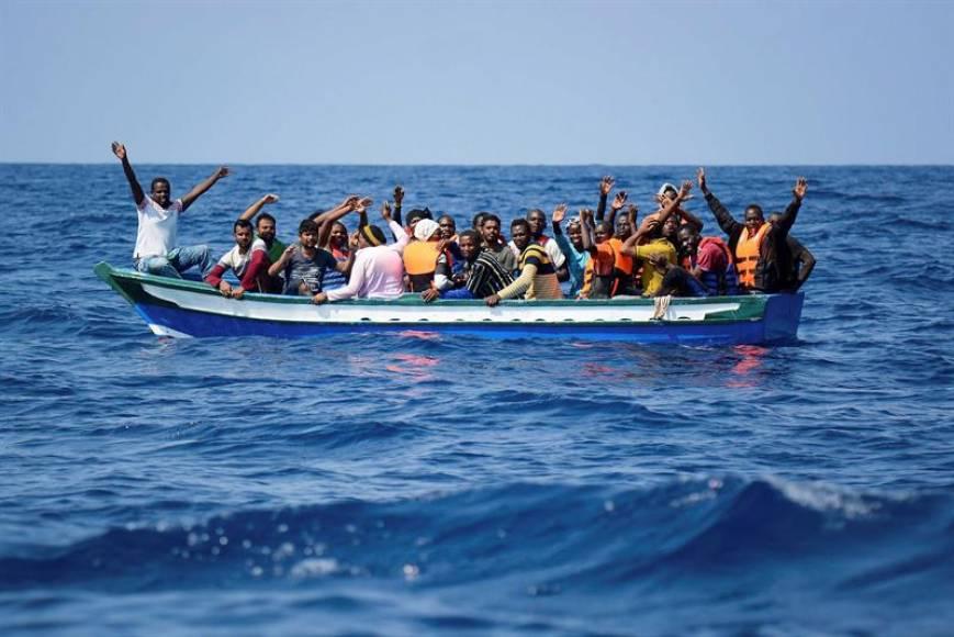 Aquarius ya tiene otros 141 inmigrantes y exige un puerto seguro y cercano como España