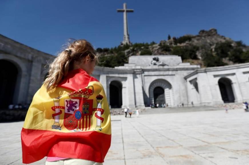 VOX derogará la «Ley de Memoria Histórica» y se opone a la exhumación de Franco