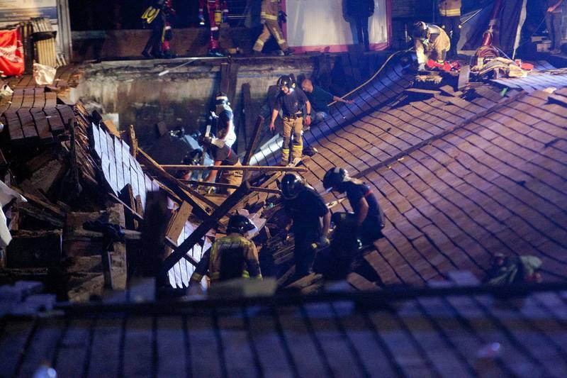 7 personas hospitalizadas por el desplome de una pasarela en Vigo