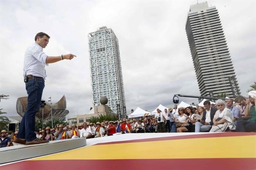 """Rivera: """"Torra ha dicho que quiere liquidar el Estado y a Sánchez no le importa"""""""