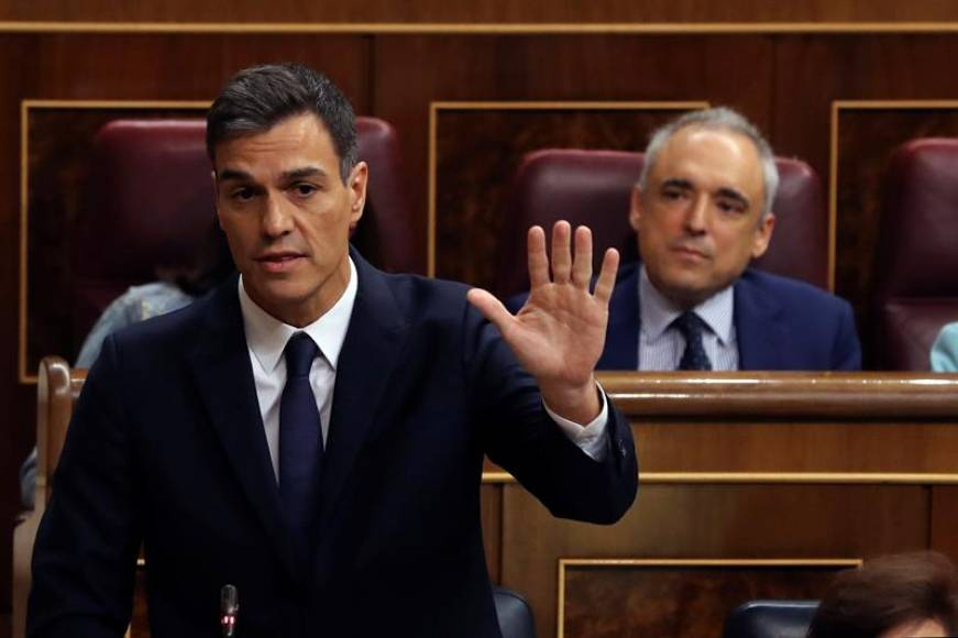 "Sánchez promete entregar a independentistas ""secretos"" del Estado y ""Archivo General Militar"""