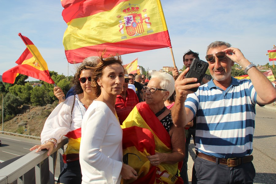 PP ofrece «abogados para defender» a españoles «acosados por quitar lazos amarillos»