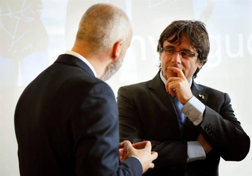 El juez comunica la suspensión de Puigdemont como diputado y cargo público