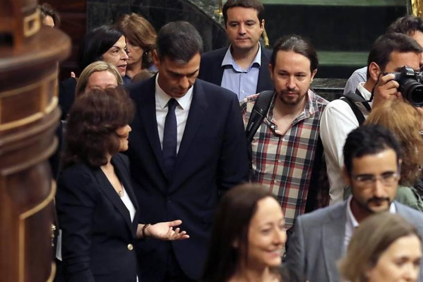 """Pablo Iglesias: """"Me incomoda tener que defender la tesis de Sánchez"""""""