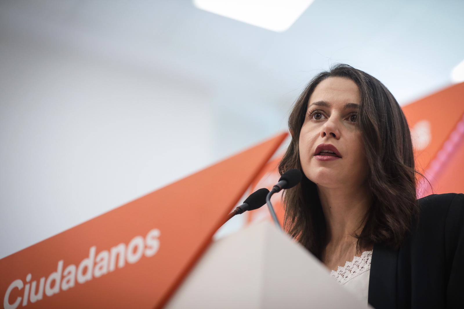 """Arrimadas: """"Sánchez decía que había rebelión en Cataluña y ahora dice que no"""""""