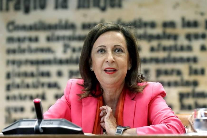Sánchez expedienta a los reservistas del Ejército por su apoyo de Franco