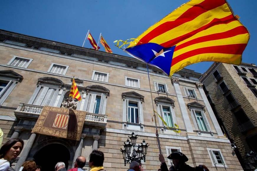 Borrell pide el cierre de embajadas independentistas en un recurso ante le Tribunal
