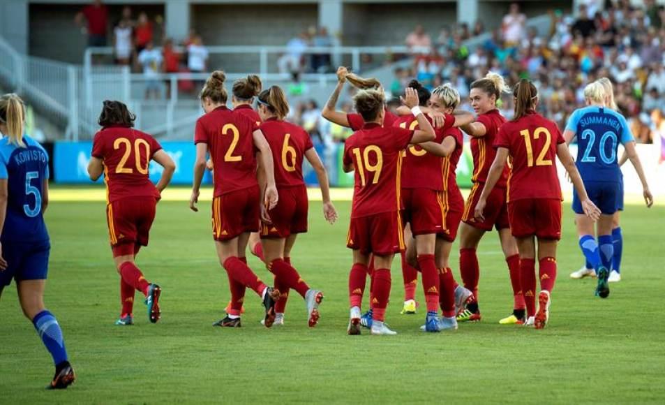 Las españolas pasan por encima a Finlandia (5-1)