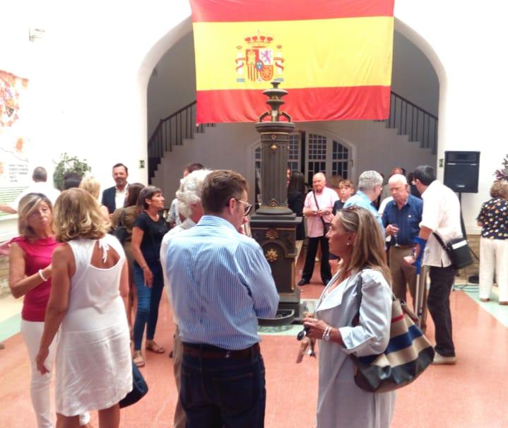 VOX asiste a la exposición de banderas y 175º aniversario de la rojigualda en Tarragona