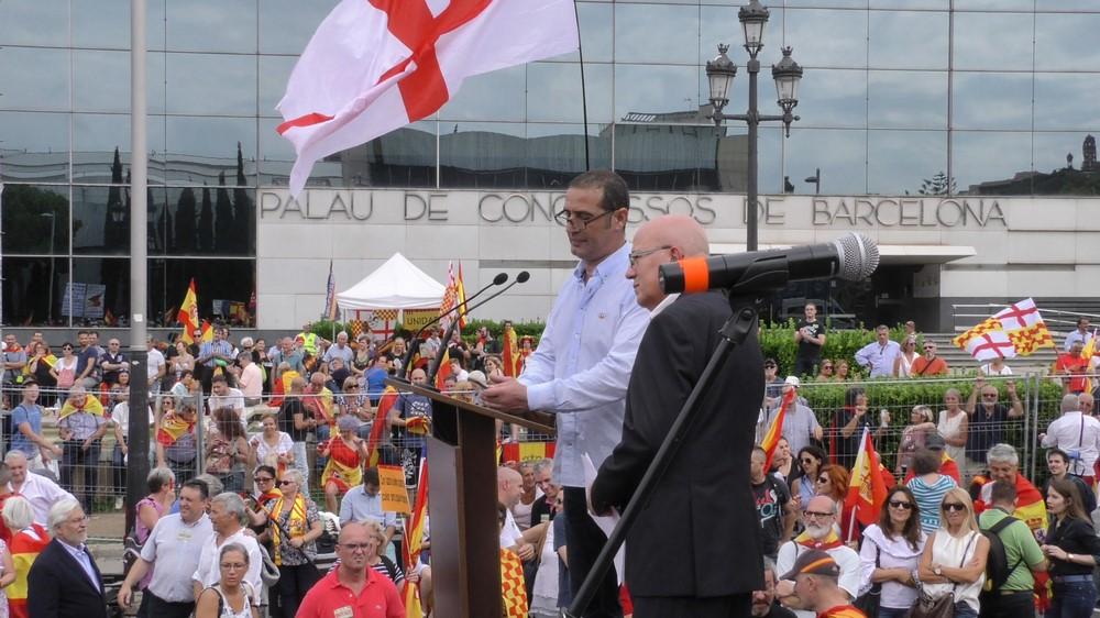 El alcalde de San Celoni lleva al español Juan ante Tribunales por quitar Estrellada