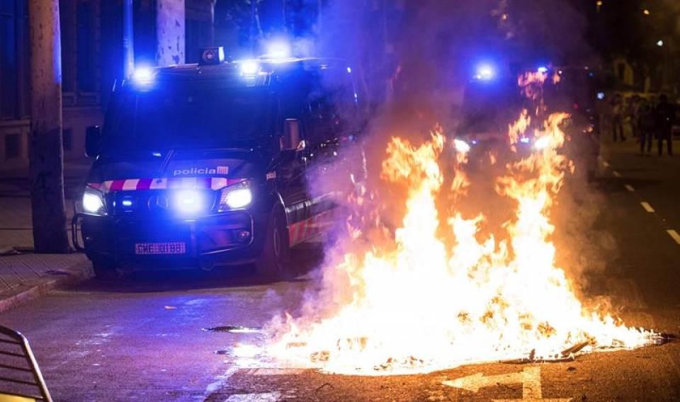 """Mozos denuncian """"irresponsabilidad"""" de Torra por alentar la """"violencia"""" contra los Mozos"""
