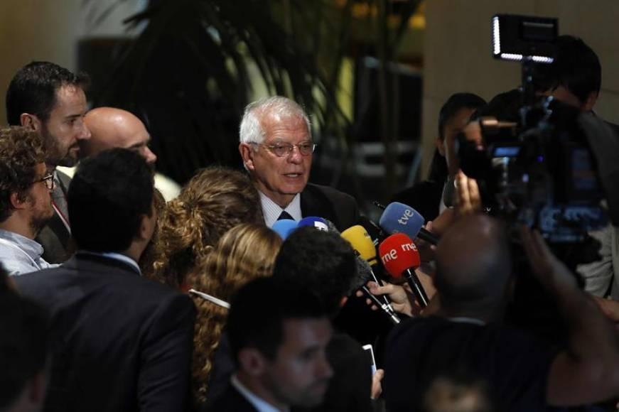 """Borrell: No invitaré a Torra a """"acto protocolario"""" porque Torra """"es el cabecilla"""" de los CDR"""