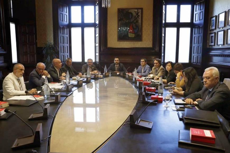 El independentismo decae, PSC y ERC pactan y votan contra JxCAT y contra Puigdemont