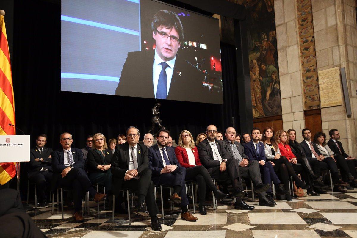 """Torra y Puigdemont activan el """"Consejo"""" que hará """"efctiva la República con el 1-O"""""""