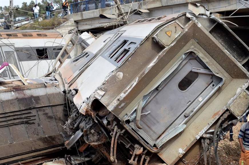 Al menos 7 muertos y 86 heridos al descarrilar tren de pasajeros en Marruecos