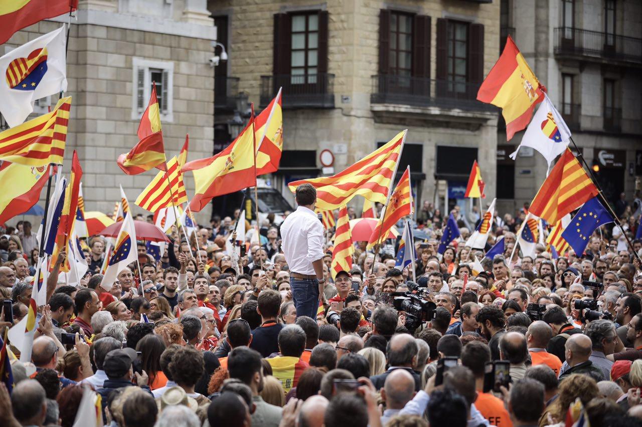"""Más de 2 mil personas piden """"Puigdemont a Prisión"""" en Barcelona"""