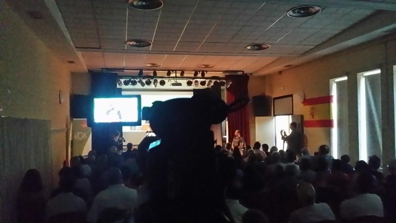San Baudilio de Llobregat recibe entre aplausos las medidas urgentes de VOX