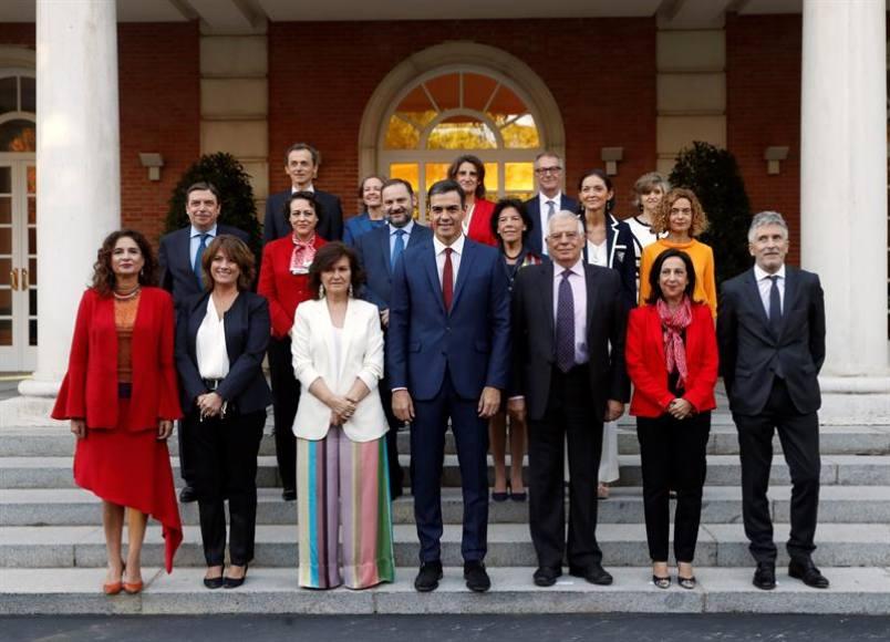 Sánchez presenta nuevo Gobierno tras las dimisiones por corrupción y plagio en su tesis