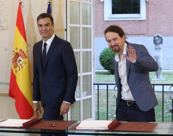Iglesias y Sánchez legalizan las injurias al Rey y las injurias a la religión católica