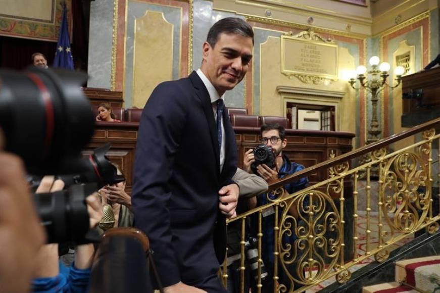 El CIS hunde al PP,el PSOE ganaría las elecciones y VOX está