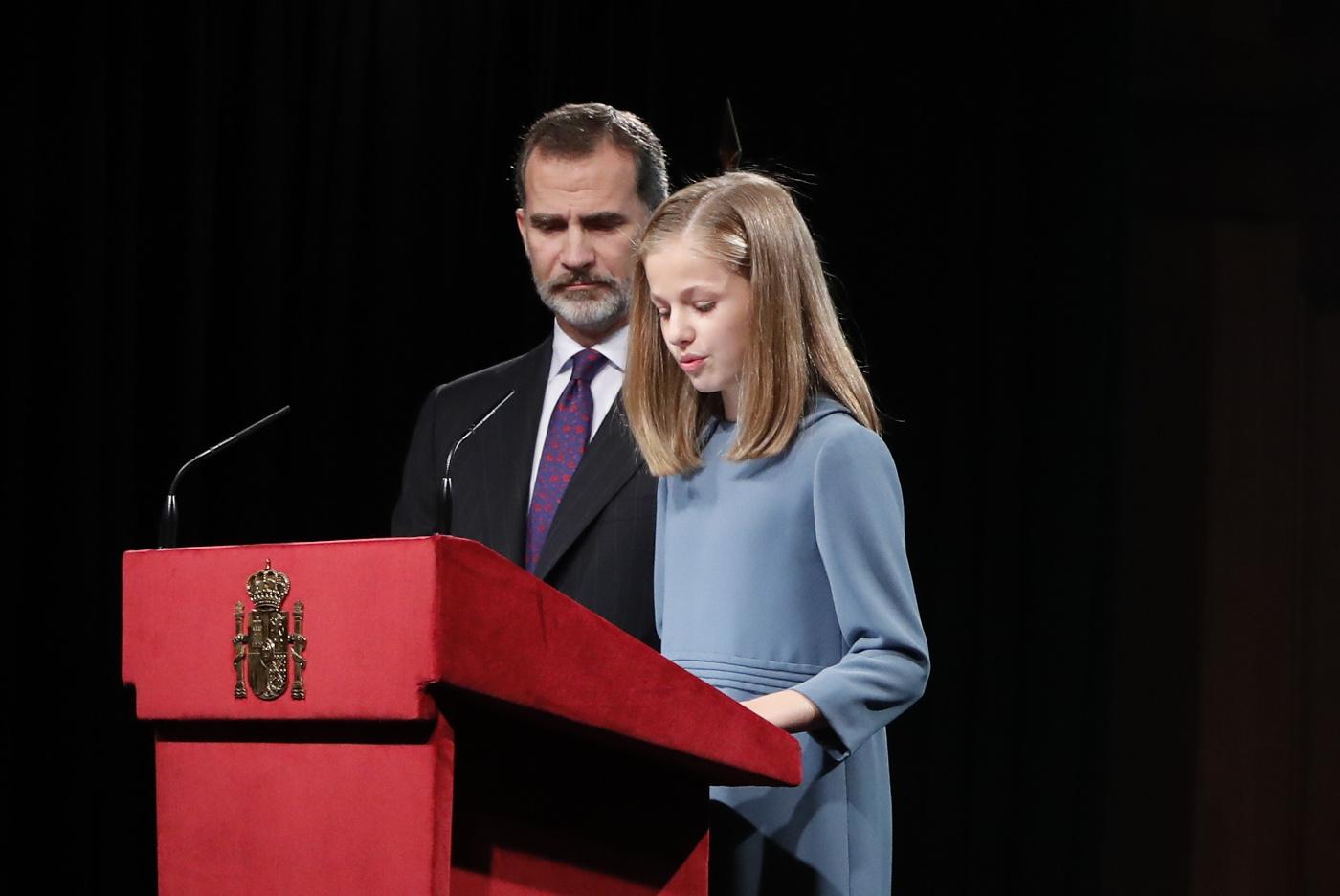 """Princesa española a sus 13 años: """"La soberanía nacional reside en el pueblo español"""""""