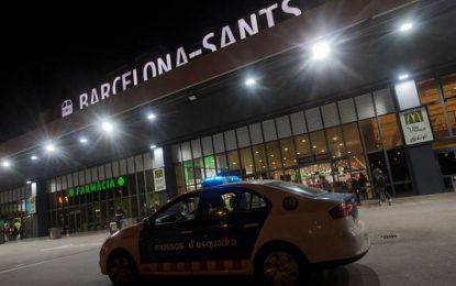Desalojan dos trenes del AVE en Sants (Barcelona) al detectarse un objeto sospechoso