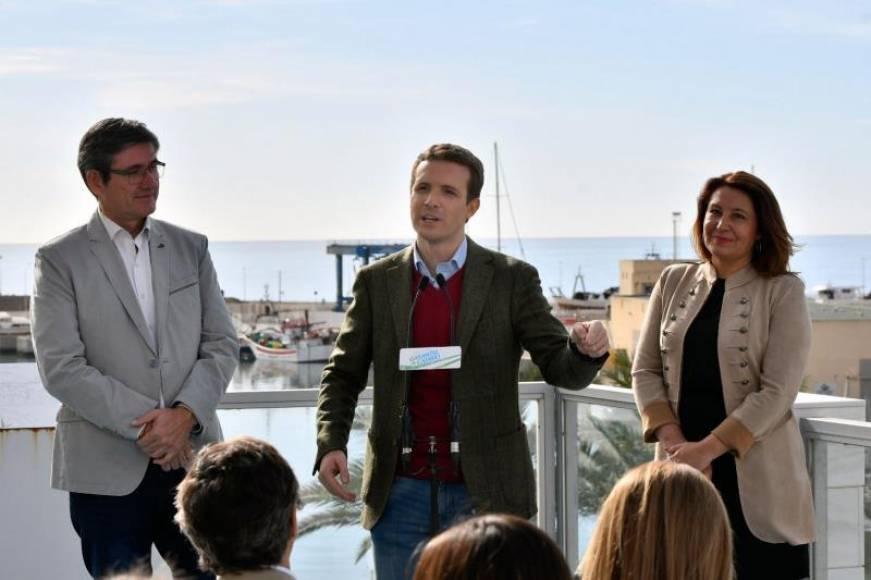 Casado exige la dimisión de Borrell