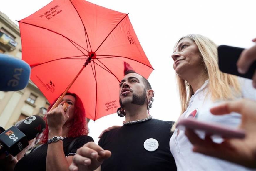 """El Tribunal anula la «Asociación de Sexo» y sus miembros anuncian """"batalla con cariño"""""""