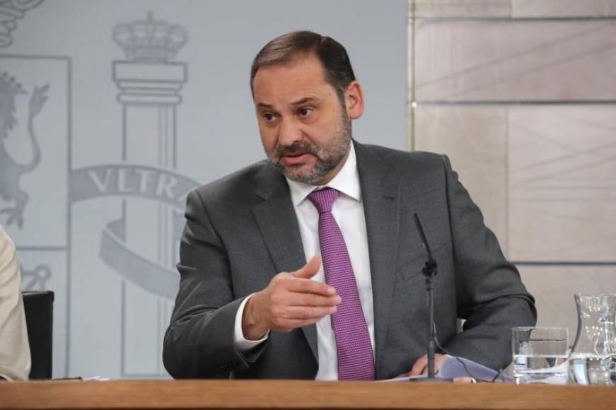 """Ábalos dice que """"El PSOE es el único que se juega el futuro de Andalucía"""""""