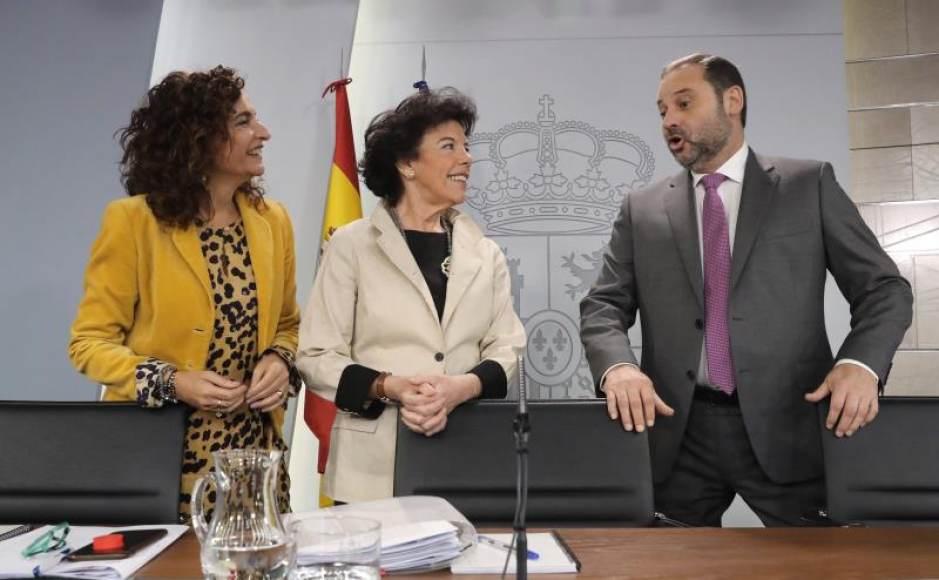 El Gobierno de Sánchez obliga por Ley a los bancos a pagar el impuesto de Hipoteca