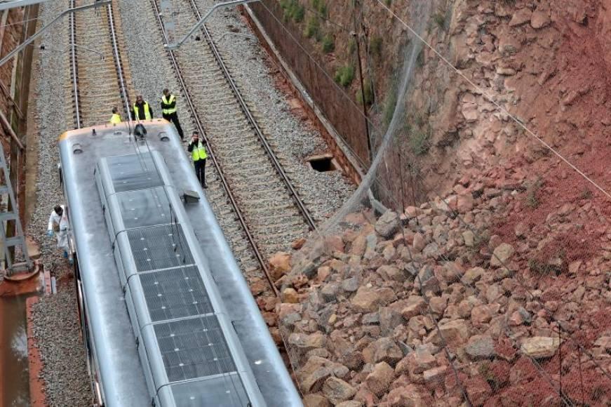 Un desprendimiento de tierras provocó el accidente de tren de Vacarisas (Barcelona)