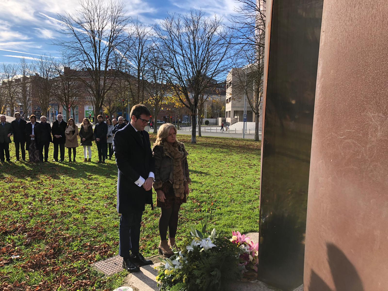 COVITE logra que se complete el monumento a las víctimas del terrorismo de Ibarrola en Vitoria