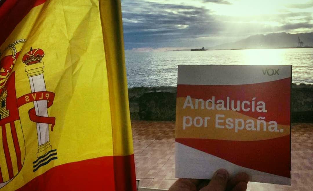 Abren los colegios electorales en las 8 provincias de Andalucía