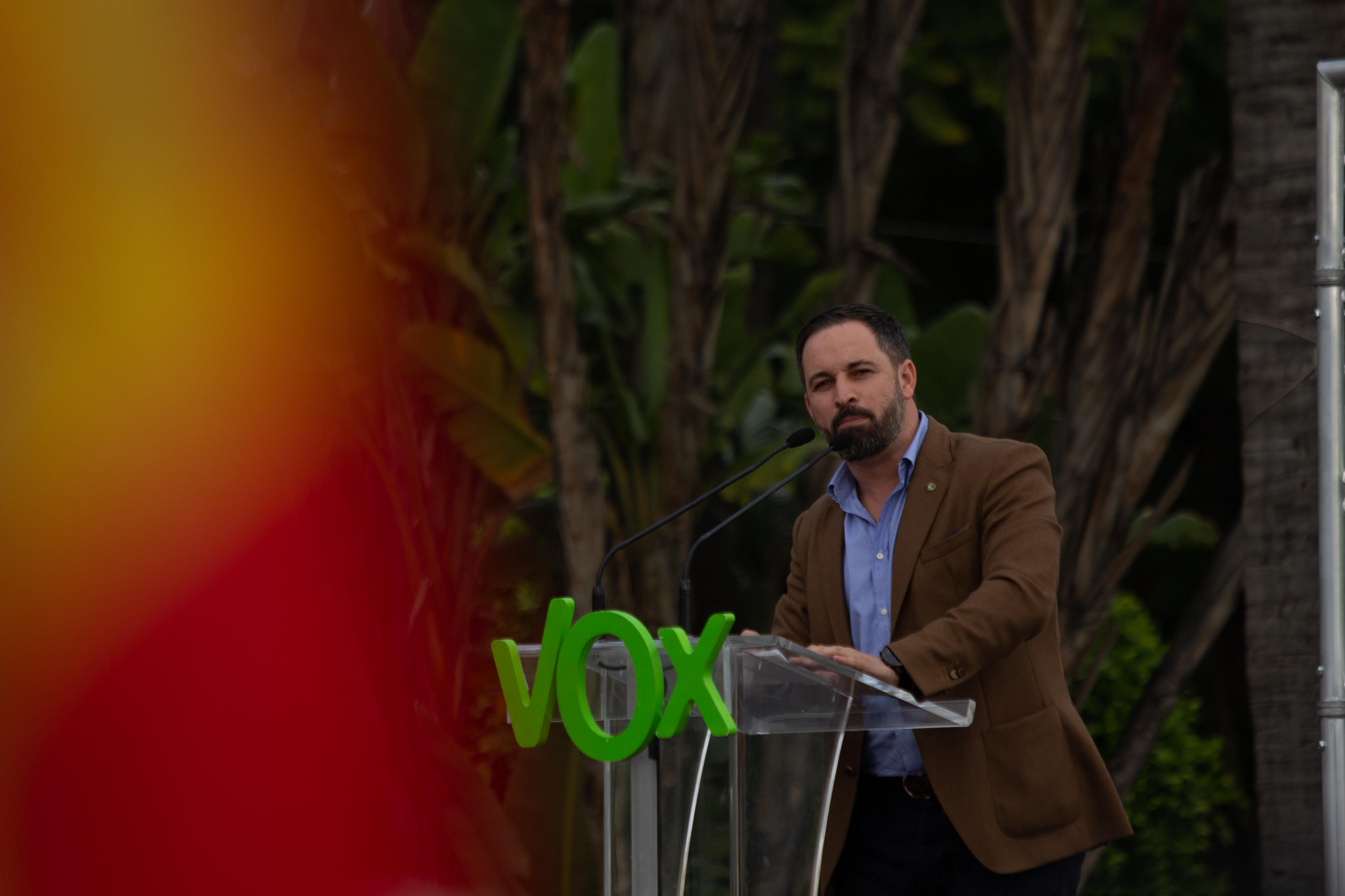 VOX tumba al PSOE, Podemos e irrumpe al Congreso con mayoría (VOX, PP y Cs)