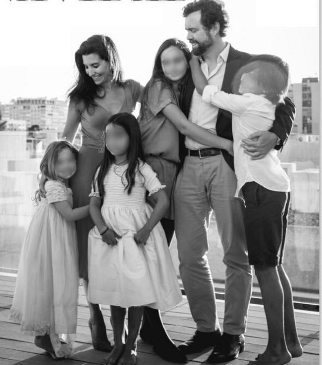 """La líder de VOX Madrid publica la foto de su familia en la que """"transmite el amor a España"""""""